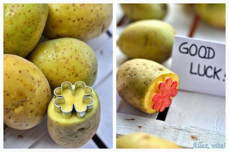 Kartoffelstempel einfach gemacht mit Plätzchenausstechern . Der gute, alte Kartoffeldruck - herbstliche Tischdeko und Geburtstagskarten selber machen - allez-vite.com