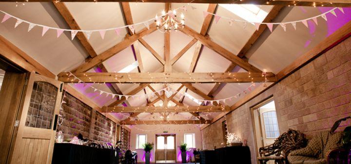 Oak Beamed Entrance Barn - Heaton House Farm