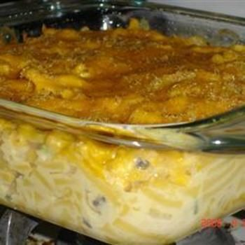 Macaroni Tuna Casserole: Casseroles Recipes, Macaroni And Cheese, Macaroni Tuna, Mac N Cheese, Tuna Casseroles, Casseroles Food And Drinks, Casserole Recipes, Art Macaroni, Corn Flakes
