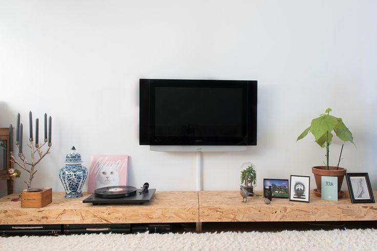 Interieur inspiratie OSB - Wonen Voor Mannen - WVM - OSB in slaapkamer, slaapkamer design, bedroom ideas, osb, osb platen, diy, doe het zelf, interieur, design, OSB, OSB tv meubel, OSB furniture, oriented strand boards, interior design, design meubels