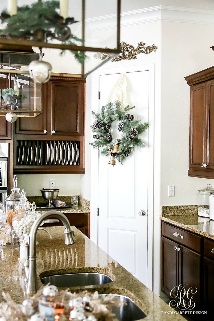 Christmas Kitchen 25 Best Ideas About Christmas Kitchen Decorations On Pinterest