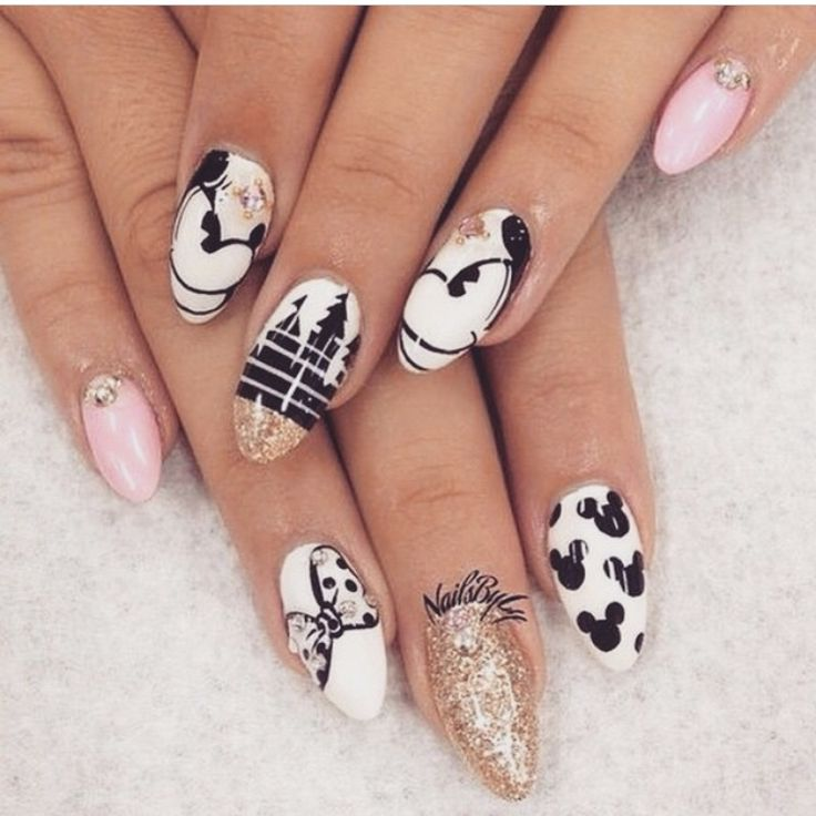 Disney Mickie and Minnie Mouse nails