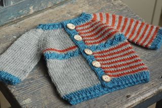 Free pattern- Yet to be Named Baby Cardigan by Yarn-madness- I'd be inclined to use this pattern and make both halves uniform, but that means this is a two in one!