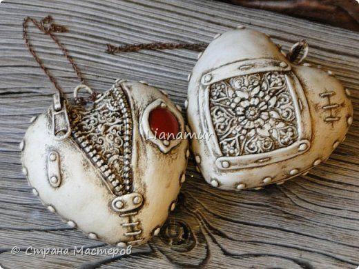Здравствуйте!!! Яблочки декоративные. Основа папье-маше, сверху лепка из холодного фарфора, вставки стеклышки (марбалсы). Высота 11-13 см. фото 12