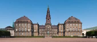 Palazzo di Christiansborg #Copenaghen #viaggi #journey / seguici su www.cocoontravel.uk