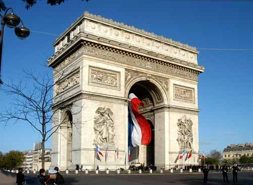 I've been in front of it, have been driven around it but I've yet to climb the 284 stairs to the top of the Arc de Triomphe. I hear the views are spectacular.
