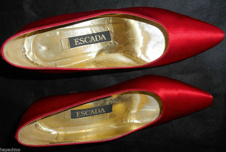 ESCADA Vintage Heels Shoes Pumps Shoes 36.6 6.5 Red Silk Satin Hapachico Couture - I adore this color.