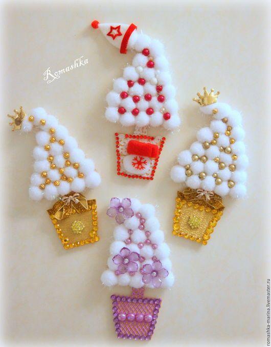 `Новогодние елочки на магнитах` - это прекрасный знак внимания коллегам по работе или друзьям.Работа Покусаевой Марины (Romashka)