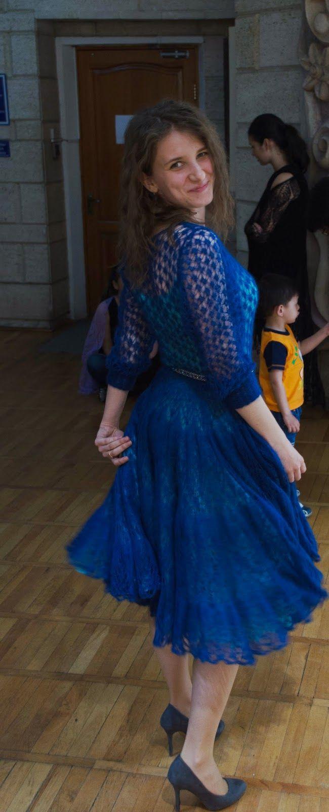 шикарное платье из мохера с шелком спицами