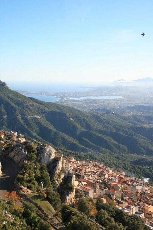 Baunei, vista per Tortolì ... Foto: Online-Magazin über Sardinien pecora-nera.eu