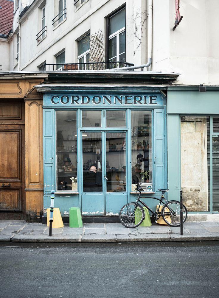 1000 ideas about parisian cafe on pinterest paris paris cafe and hamburg. Black Bedroom Furniture Sets. Home Design Ideas