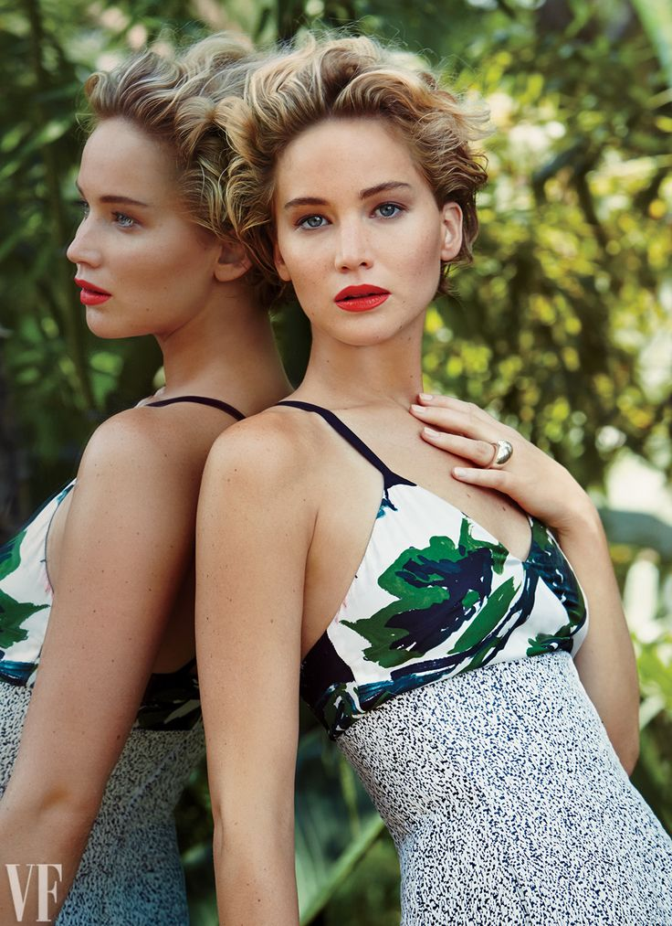 """Jennifer Lawrence was a 2015 """"It Girl"""": Click for more!"""