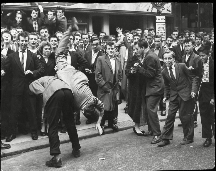 Yeah, Teddy Boys were kind of the original punks.   17 Vintage Pictures Of Dapper British Teddy Boys And Girls