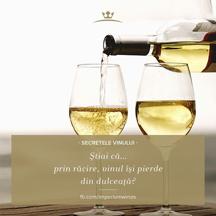 Știai de ce vinul alb se bea rece? Pentru că răcirea îi diminuează dulceața, lăsând aciditatea să se afirme mai întâi.