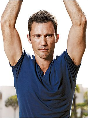 Jeffery Donovan, smart, funny and incredibly delicious.