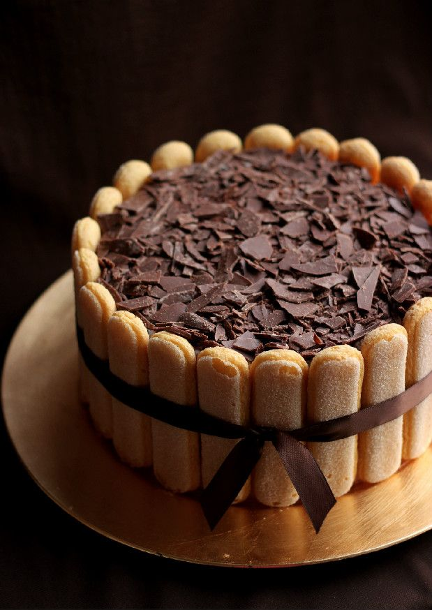 With the amount of tiramisu recipes I have on here, a tiramisu cake was just waiting to happen. Unfortunately, now that it's happened, I have 3/4 of it staring me in the face every time I open my frid
