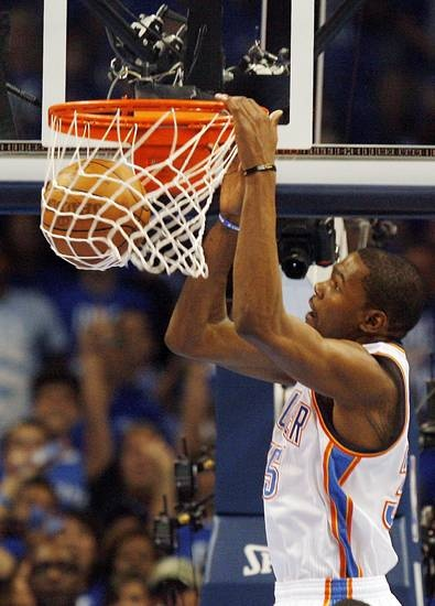 Oklahoma City's Kevin Durant (35) dunks the ball during Game 3 of the Western Conference Finals between the Oklahoma City Thunder and the San Antonio Spurs in the NBA playoffs at the Chesapeake Energy Arena in Oklahoma City, Thursday, May 31, 2012.  Photo by Nate Billings, The Oklahoman