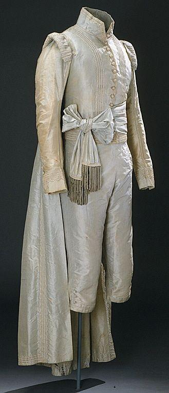 Johan Gabriel Oxenstierna (1750-1818) gave the blue court suit to Gustaf Göran Gabrielsson Oxenstierna in 1790's. Thanks, P.R.T.!