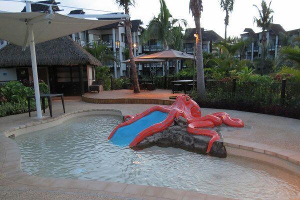 Image from http://ciaobambino.wpengine.netdna-cdn.com/wp-content/uploads/2013/11/Kids-Pool-at-Radisson-Blu-Fiji.jpg.