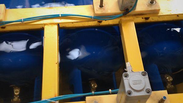 Re-validation Air Leakage Test. LPG Cylinder re-validation line includes testing air leakage of LPG Cylinders | ROK Teknik Metal Makine ve Kalip San. Tic. Ltd. Sti. | www.rokteknik.com/lpg-cylinder-revalidation-line/re-validation-air-leakage-test/