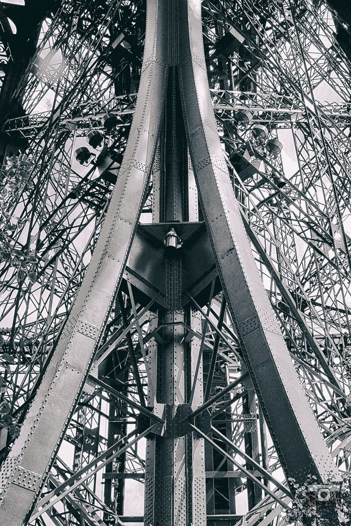 Under the Eiffel Tower, mémoire du paris. #Paris #France #Street Photography #Architecture #Abstract #BlackandWhite