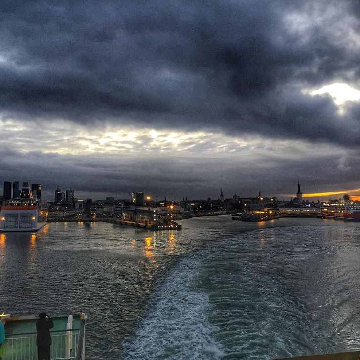 Tallinn harbour at dusk I will be back @tallinksuomi @visittallinn #dusk #habour #ships #water