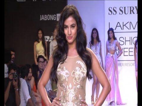 Sonal Chauhan SHOWSTOPPER @ Lakhme Fashion Week 2014.