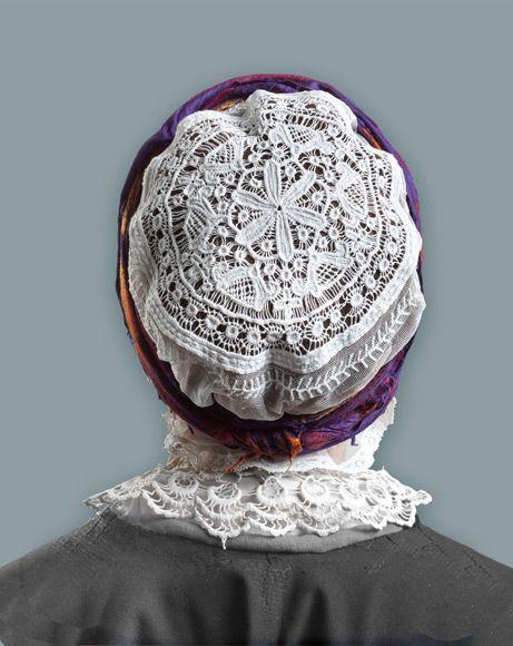 Embroidered bonnet from the region of Kujawy, north-central Poland. Image via nasze.kujawsko-pomorskie.pl/