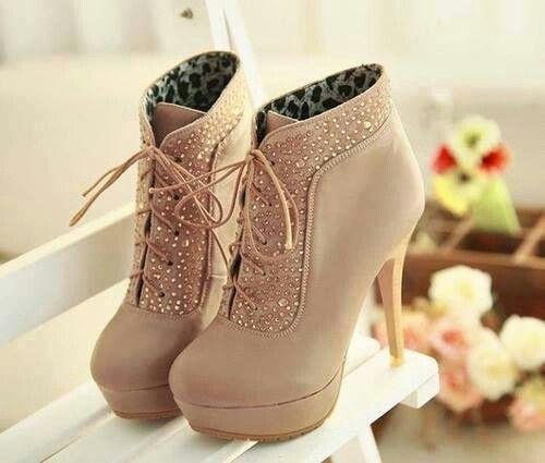 Booties or what! I have to have!!!!!! Pinterest what are you doing to me?! #highheeledboots #booties