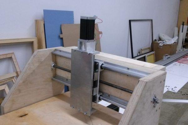 Homemade CNC – mały drewniak cz. 2 – mechanika - Ręcznie robione przynęty wędkarskie - Tomasz Kotarski - Jurajskie Przynęty Wędkarskie