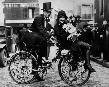 1930s Bride & Groom in Paris