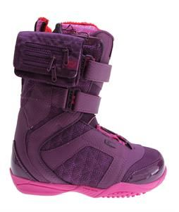 The Ride Locket Snowboard Boots definitely do not hide the fact that they are made for women, as the appealing exterior is certainly feminine, but this is easily overshadowed by the level of performance and comfort that this product delivers. Perhaps the most amazing feature is the Strapper Zonal Lacing system that allows riders to quickly secure their boots and get on the snow quickly. Of course with a 3D Formed Dual Density EVA Midsole, the Locket is also one of the most reliable and…