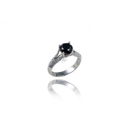 Δαχτυλίδι μονόπετρο λευκόχρυσο με μαύρο διαμάντι #ring #whitegold #black_diamond #woman #wedding #proposal #love