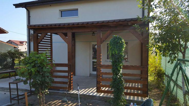 Pergola din lemn pentru terasa.