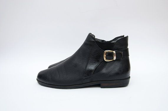 Vintage black leather 90s women flat ankle by ZvezdanaVintage