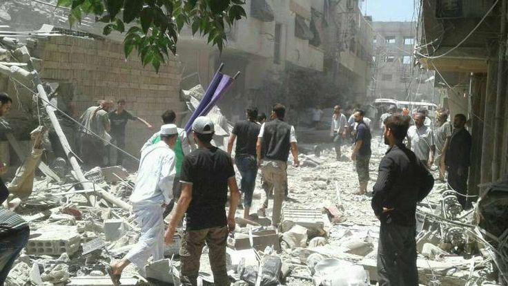 Rezim Asad Intensifkan Serangan Udara di Pedesaan Damaskus  SALAM-ONLINE: Jet tempur militer rezim Basyar Asad di Suriah mengintensifkan serangan udara pada Jumat (22/7) di pedesaan Damaskus koresponden Orient News melaporkan.  Serangan udara dimulai sejak Jumat pagi dengan target beberapa daerah di Ghouta timur. Serangan juga menyasar kota Douma Shifonyya Harasta dan Misraba yang merenggut nyawa sejumlah warga sipil termasuk seorang gadis dan anak laki-laki.  Jalan yang menghubungkan antara…