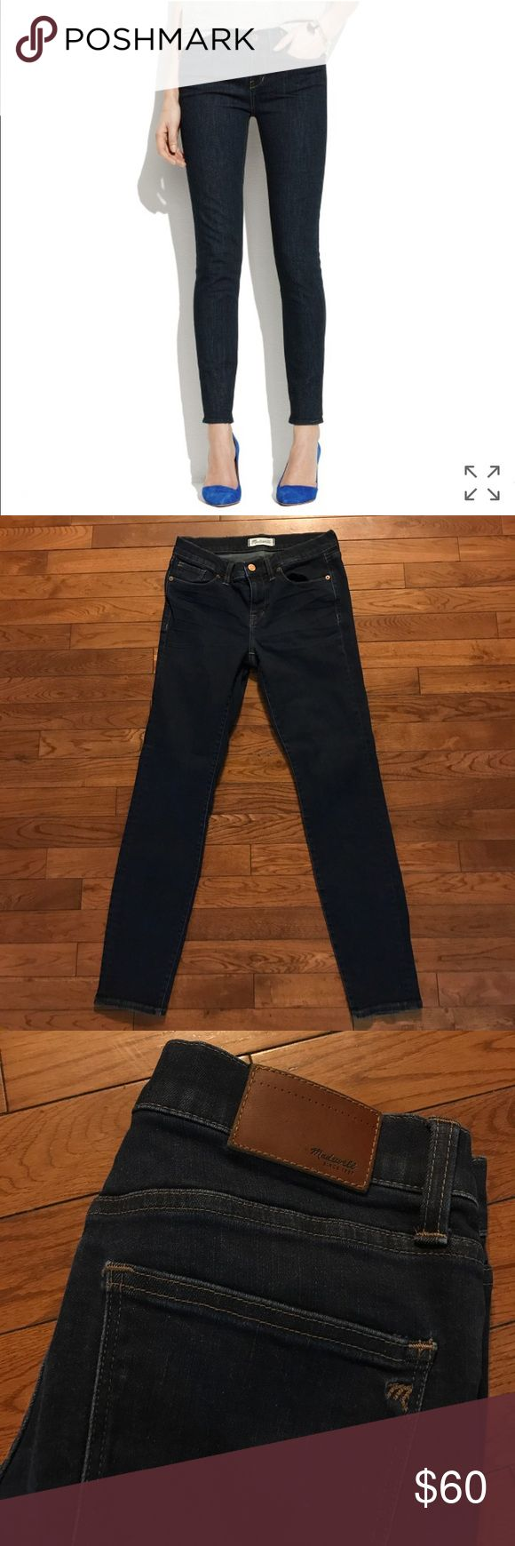 • MADEWELL • skinny skinny jeans Gently worn Madewell skinny skinny jeans. Size 28. Dark wash. They do have some stretch to them. Gently worn but in great condition. No stains, rips or fading! Remember to bundle & save 15%! 💕 Feel free to make an offer! Madewell Jeans Skinny
