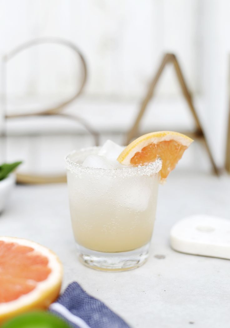 Grapefruit Honey Spritzer @themerrythought