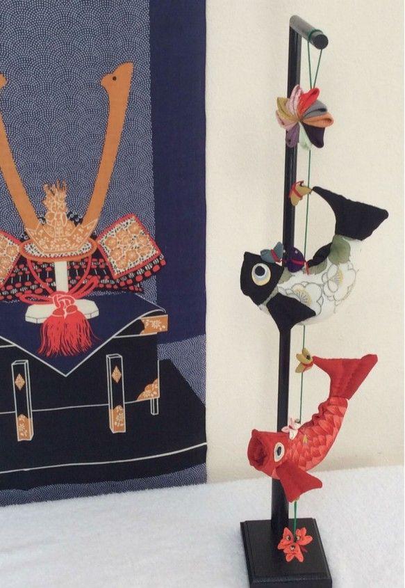 アクセス頂き有難うございます。端午の節句の鯉のぼり吊るし飾りです。鎧・兜飾りや五月人形の脇に置くと、オリジナルの豪華なお祝い飾りとなります。また、縁起物の可愛...|ハンドメイド、手作り、手仕事品の通販・販売・購入ならCreema。