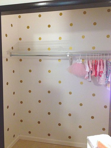 And...i really really am thinking of doing a cute closet like this. Polka-dots are cute with roses.