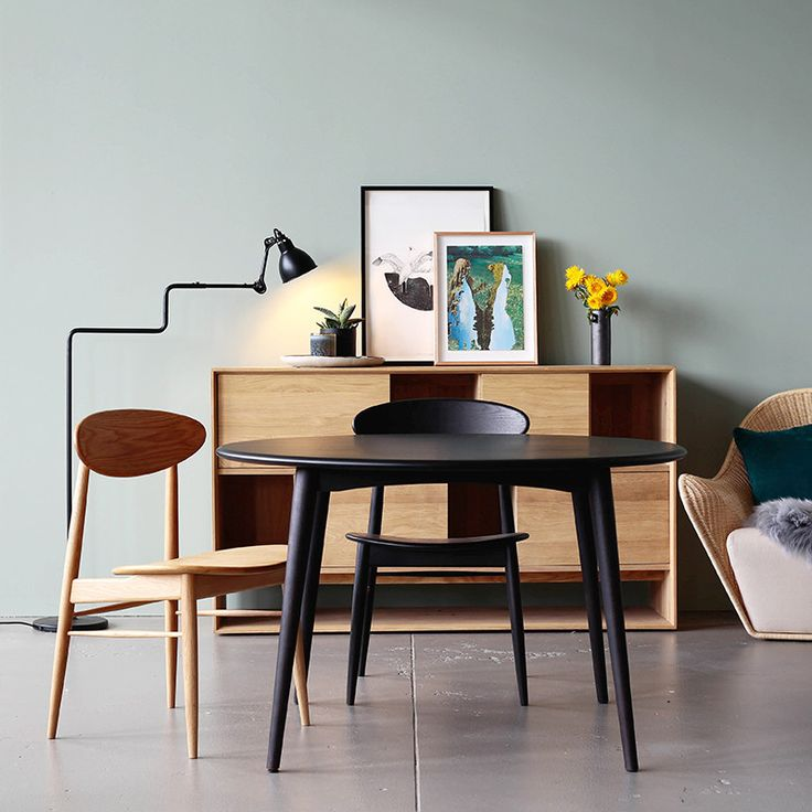 Dining Table 167 Round by Feelgood Designs - Designed by Takahashi Asako