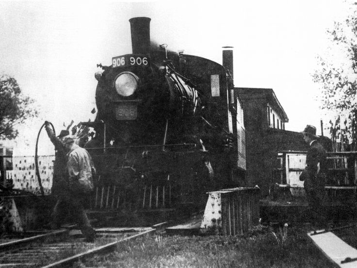 Train Engine 906 being turned around on the turntable that was at the foot of St. George St., Port Dover, 1947.