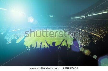 stock-photo-crowded-football-stadium-219272452.jpg (450×297)