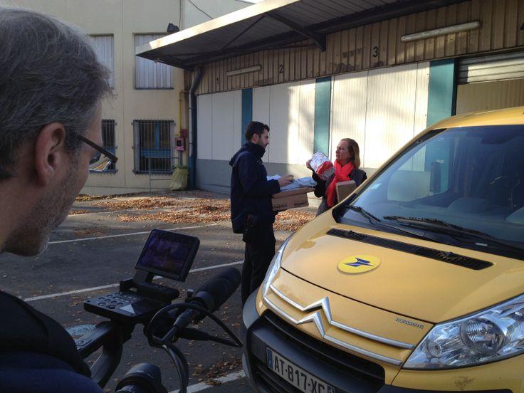 [Actualité] 9 décembre 2013 - début d'une série de films sur les métiers de La Poste, tournage sur site : Laurence, directeur de l'agence Colis de Lille Lezennes (Nord) © DRHRS, La Poste, DR.
