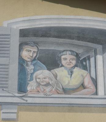 La fresque des Caladois à Villefranche-sur-Saône: Manon Roland avec son mari et sa fille