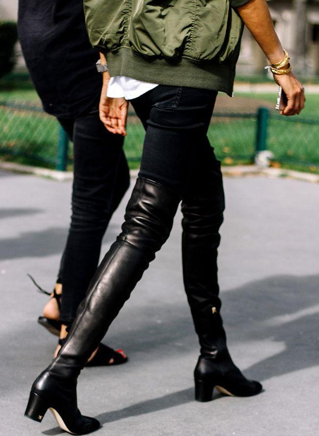 Avec ses talons parfaitement dessinés et son cuir souple (mais pas trop), ces cuissardes Chanel ont tout bon !