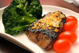Have Her Over For Dinner: Grilled Top Sirloin with Blue Cheese ...