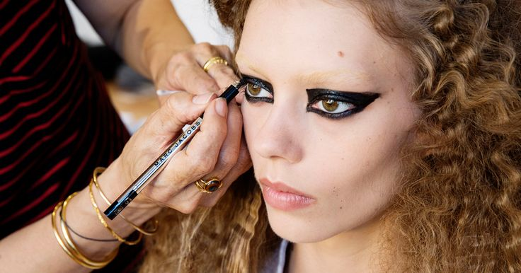 Legendary makeup artist, Diane Kendal, used the Highliner Gel Eye Crayon in Blacquer backstage at the Marc Jacobs Resort 2017 show. #entry