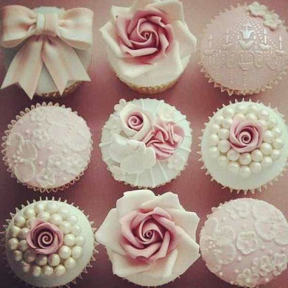 Cupcake Decorating Ideas With Royal Icing : pink lace icing cupcakes roses something blue vintage gum ...