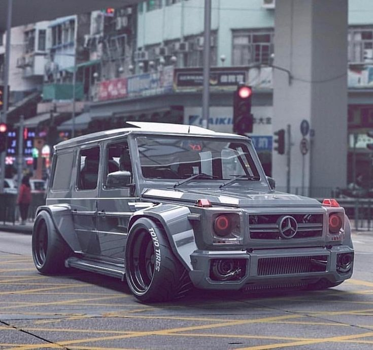 Mercedes G Wagon…Always wanted one of these but never seen one done up this crazy🤔🤔 – Morgan Zimmermann